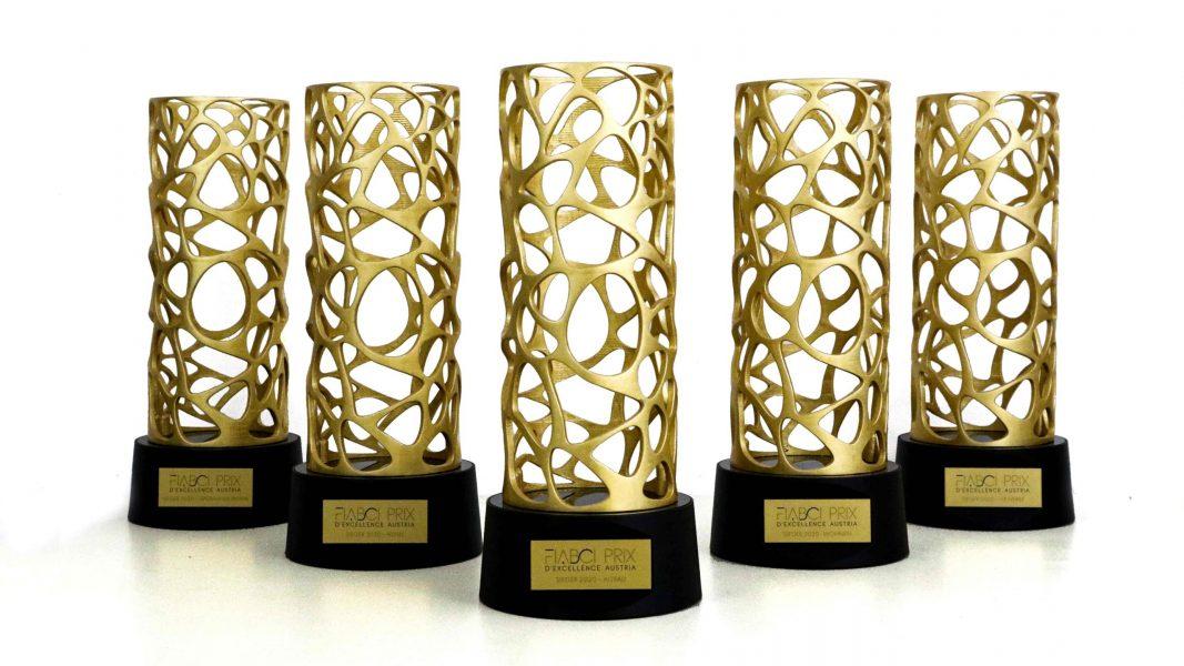 Interior_Interieur_Design_Hailing_Grafik_3D_Druck_Printing_Vase_Raumgestaltung_Dekoration_Pokal_Verleihung_organic_gold_Statue_Trophaee